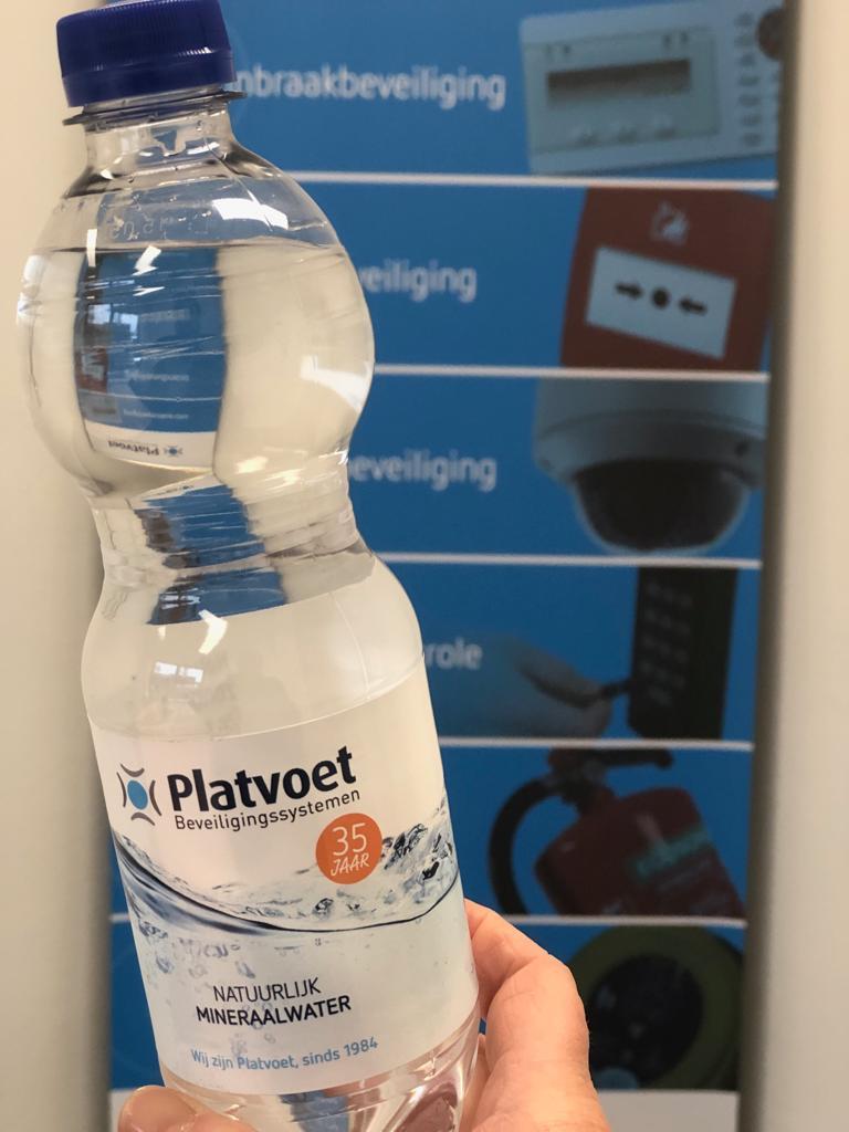 Platvoet mineraalwater